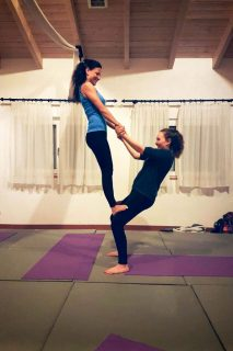 Acrobatic Yoga Reverse Thigh Stand Pose in 79713 Bad Säckingen