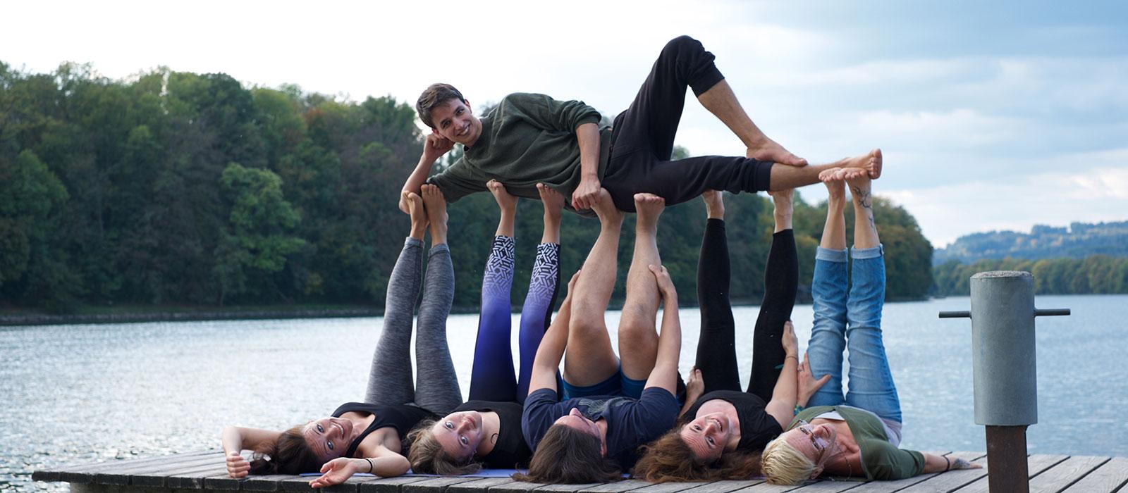 Acrobatic Yoga Foto Termin Special