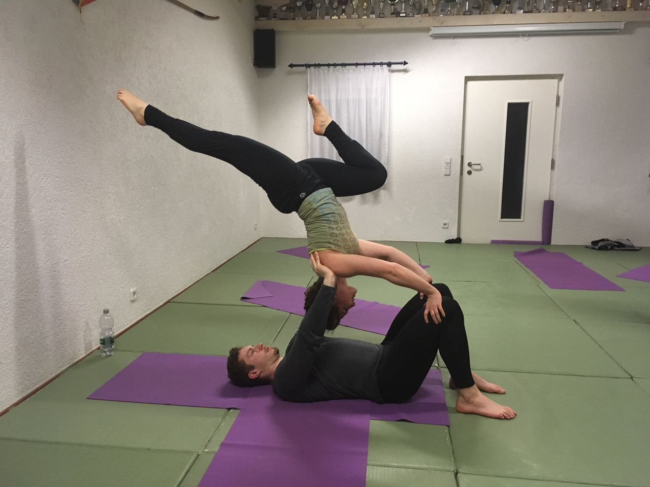Acrobatic Yoga Washing Machine