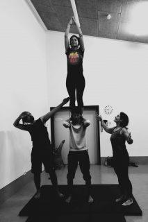 Acrobatic Yoga Team Work, Base, Flyer, seitlich Spotter in 79713 Bad Säckingen
