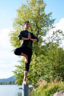 Acrobatic Yoga Tree Pose in 79713 Bad Säckingen