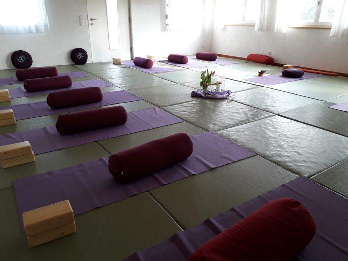Hier findet Bhava Yoga mit Annette Kunkel statt - im Judo Club Raum in Obersäckingen.