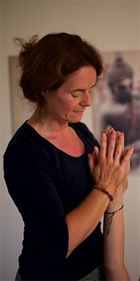 Wohltuende Handmassage - Thai Yoga Massage in Bad Säckingen mit Annette Kunkel.
